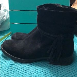 Born distressed suede boots